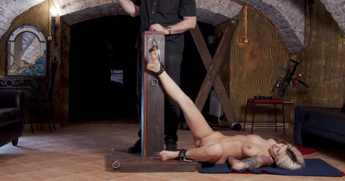 BDSM Torture of loyalty Part 1