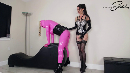 Femdom and Strapon Mistress Susi The Fucked Pink Rubberdoll Webcamshow