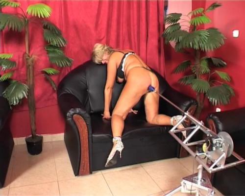 Sex Machines Mature Christina and the sexmachine