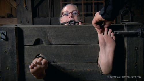 BDSM Hot Poke Her
