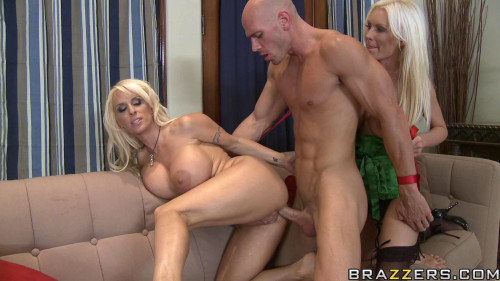 Blond Milfs Destroying the Muscle Guy