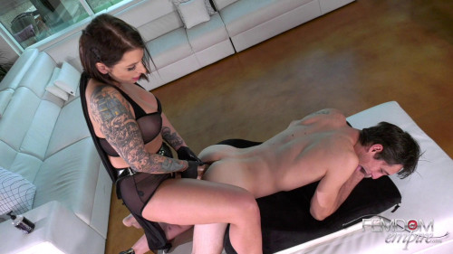 Femdom and Strapon Thunder cock!
