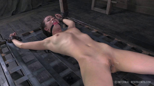 BDSM Heavy Metal , Raquel Roper - HD 720p