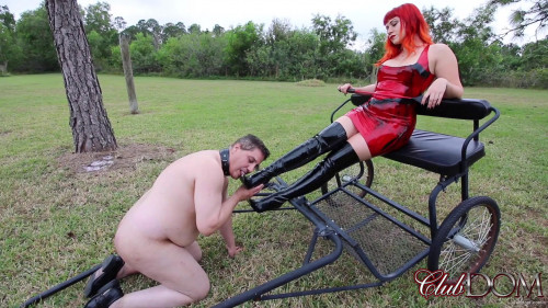 Femdom and Strapon Jewels meet in the oddest