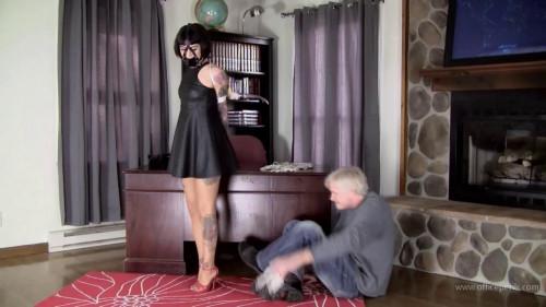 BDSM Johannie : Harness Ball Gagged in Leather