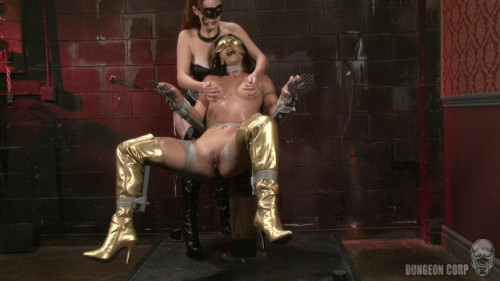 bdsm Wenona and Holly Wood