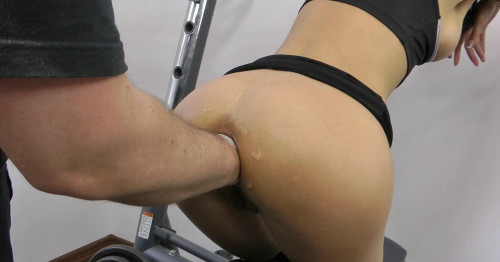 Fisting and Dildo Sexy Jo In Most Amazing Fisting At The Gym