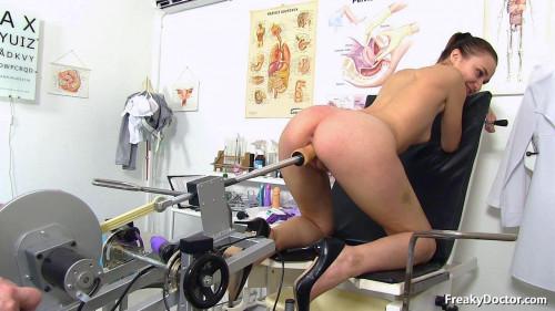 Sex Machines Mara (24 years girls gyno exam)