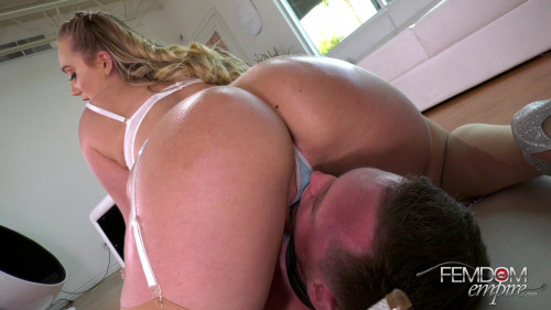Femdom and Strapon Crushed by Ass