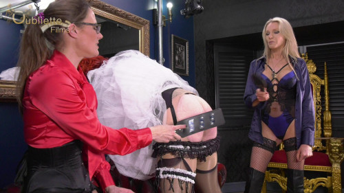 Femdom and Strapon Natalies Beating