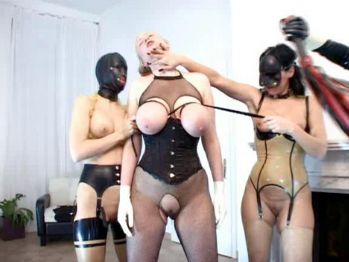 BDSM Mia and her passion for pain