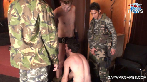 Gay BDSM Max Woods