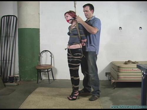 BDSM Amandas First Time in Bondage