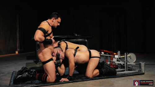 Gay BDSM Axel Abysse and Bruce Bang