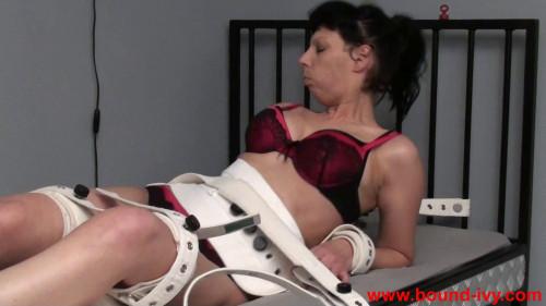 BDSM Ivy Test bound
