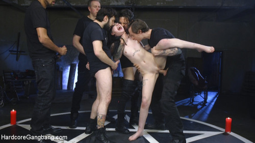 BDSM Psycho Bitch Gangbang