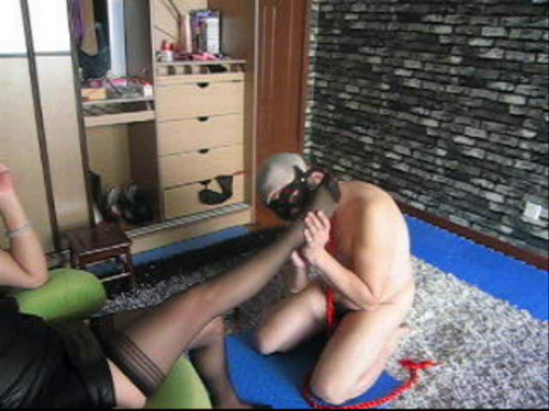 Femdom and Strapon Japanese goddess of love when she licks his feet