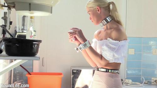 BDSM BoundLife - Dishes in heavy cuffs - [bl635]