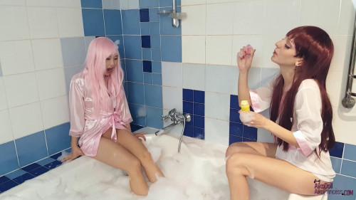 Fisting and Dildo  Bubble Bath Gg