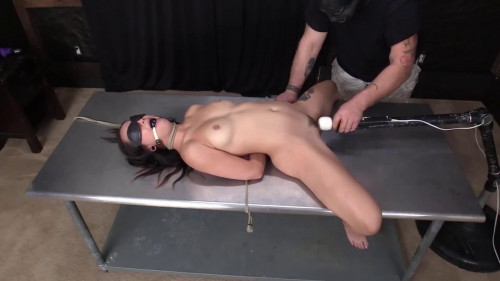 BDSM Super bondage, spanking and torture for very sexy bitch part 1