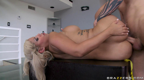 Busty Pretty Blonde Is Very Skilled In Anal Sex