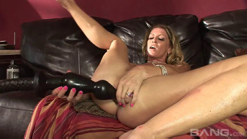 Fisting and Dildo Chelsea Zinn