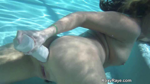 Fisting and Dildo Roxy Underwater