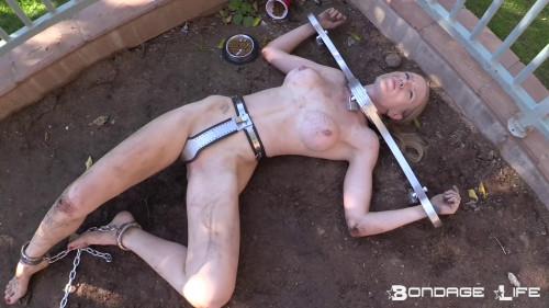 BDSM Garden girl