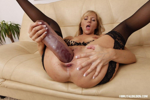 Fisting and Dildo BrutalDildos Kate