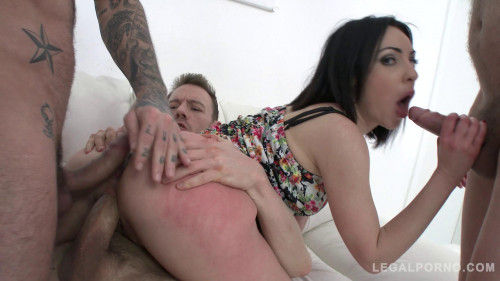 Nasty babe Ines Lenvin first time gangbanged with airtight DP