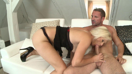 Blond MILF Valentina Ross Assfucked Hard