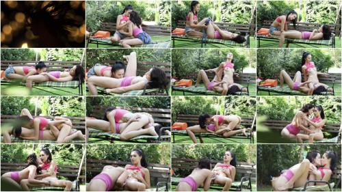 Lesbians Alyssa Bounty, Dolly Diore - Garden Love FullHD 1080p