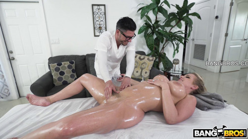 Nerdy Masseuse Gets Deep - Rachael Cavalli - 1080p