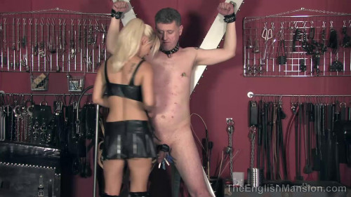 Femdom and Strapon Vixens Lair