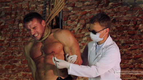 Gay BDSM ruscapturedboys - Resale of Bodybuilder Roman (Full)