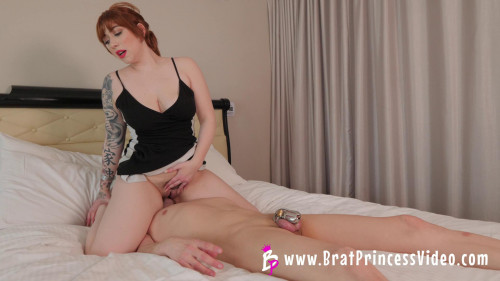 Femdom and Strapon Amilia Onyx - Has Cuck Clean her after Getting Fucked (2020)