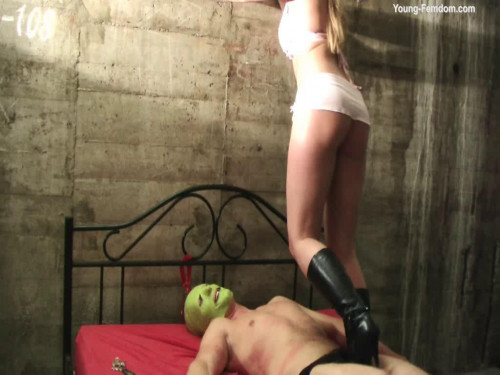 Femdom and Strapon Young-femdom - The cheeky Musk Man