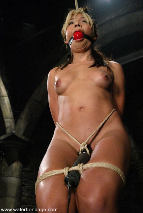 BDSM Bound in net Keeani Lei has some wet sexy fun