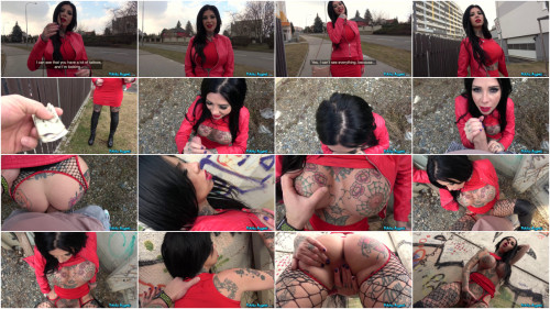 Public sex Big Tits and tattoos fucked outside