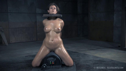 BDSM Penny Barber, Rain DeGrey