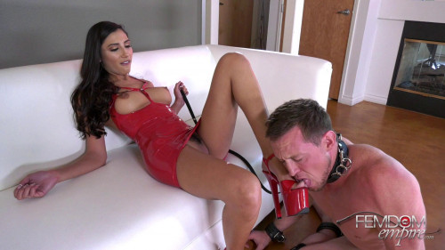 Femdom and Strapon Gianna Dior - Devoted Doormat