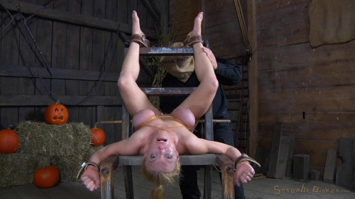 BDSM Crucified Without Mercy