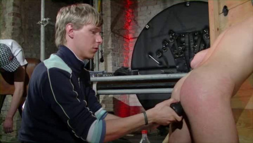 Gay BDSM Berlin juice Bondage