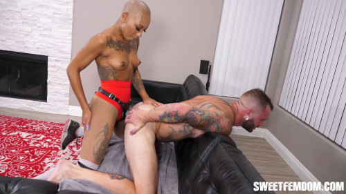Femdom and Strapon HD Femdom Sex Videos Jessa Pounds Johnny and Drains All His Cum