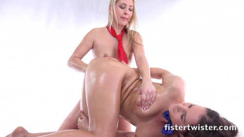Fisting and Dildo Sliding With Ease - FullHD 1080p