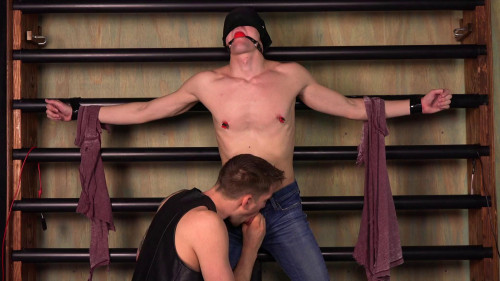 Gay BDSM Captive Blonde - Leo Edwards - Full HD 1080p