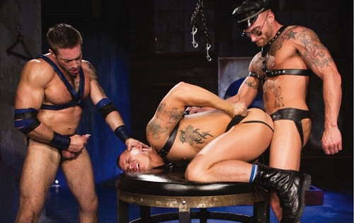 Gay BDSM Derek Parker, Jake Genesis And Tate Ryder