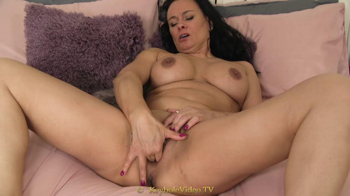 Fisting and Dildo big tit french milf dildoing herself