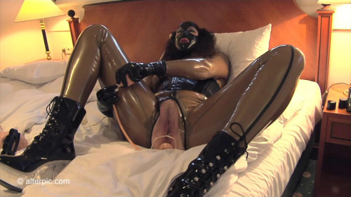 BDSM Latex Thoroughly Satisfied - Anna Rose