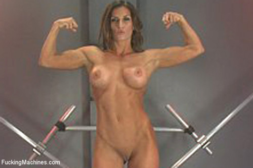 Sex Machines Muscly Weightlifter Babe Machine Fucked in Her Pussy and Ass